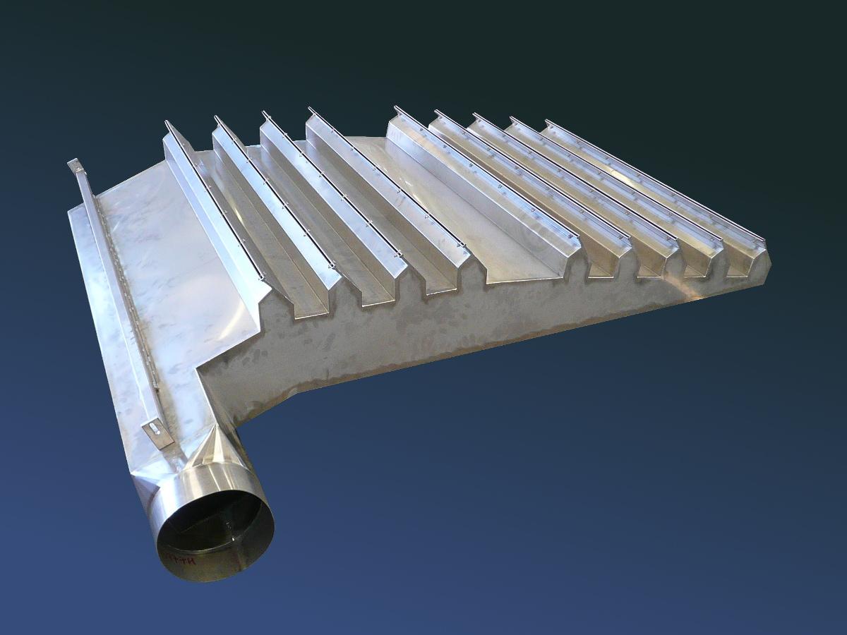 Prodotti in lamiera per l 39 industria merkur srl for Cappa acciaio